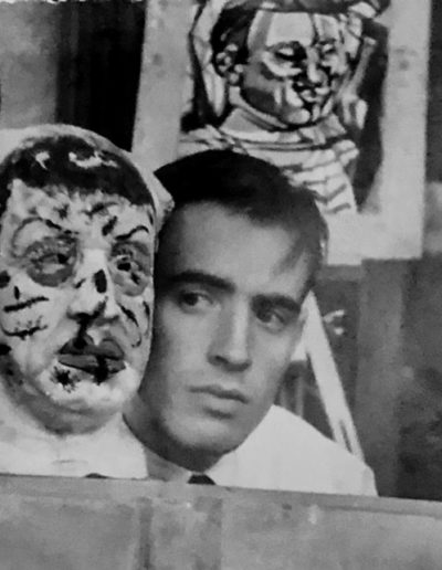 Franco Onali e una sua scultura